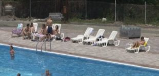 Promotivno belsplatno osveženje na bruskom bazenu