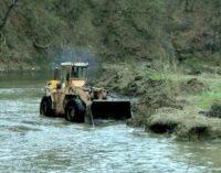 Čišćenje korita reka Rasine i Graševke
