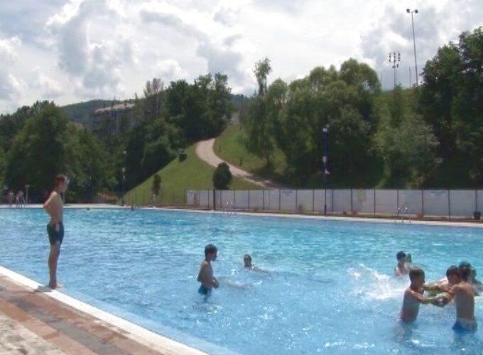 Počeo sa radom gradski bazen u Brusu