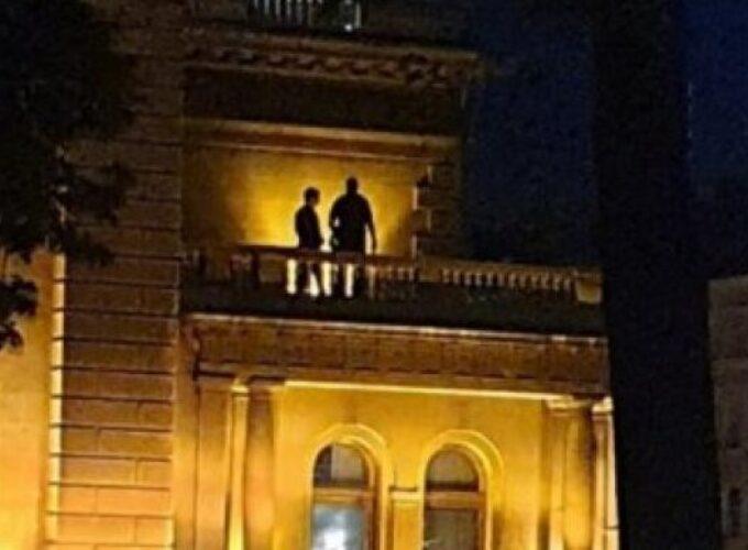Izmislili da je Andrej Vučić na balkonu Predsedništva!