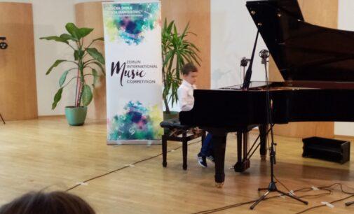 Vukašin Mitrović osvojio prvu nagradu na muzičkom međunarodnom takmičenju u Zemunu