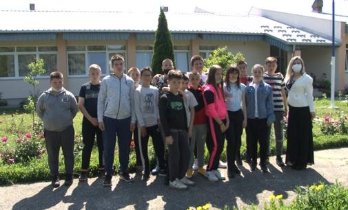 """Učenici """"Branka Radičevića"""" u renoviranoj školskoj zgradi"""
