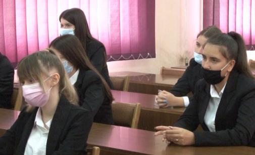 Bruski srednjoškolci u poseti TOO Brus