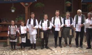 """Članovi """"Etno grupe Brus"""" uspešni na takmičenju frulaša u Mitrovom Polju"""